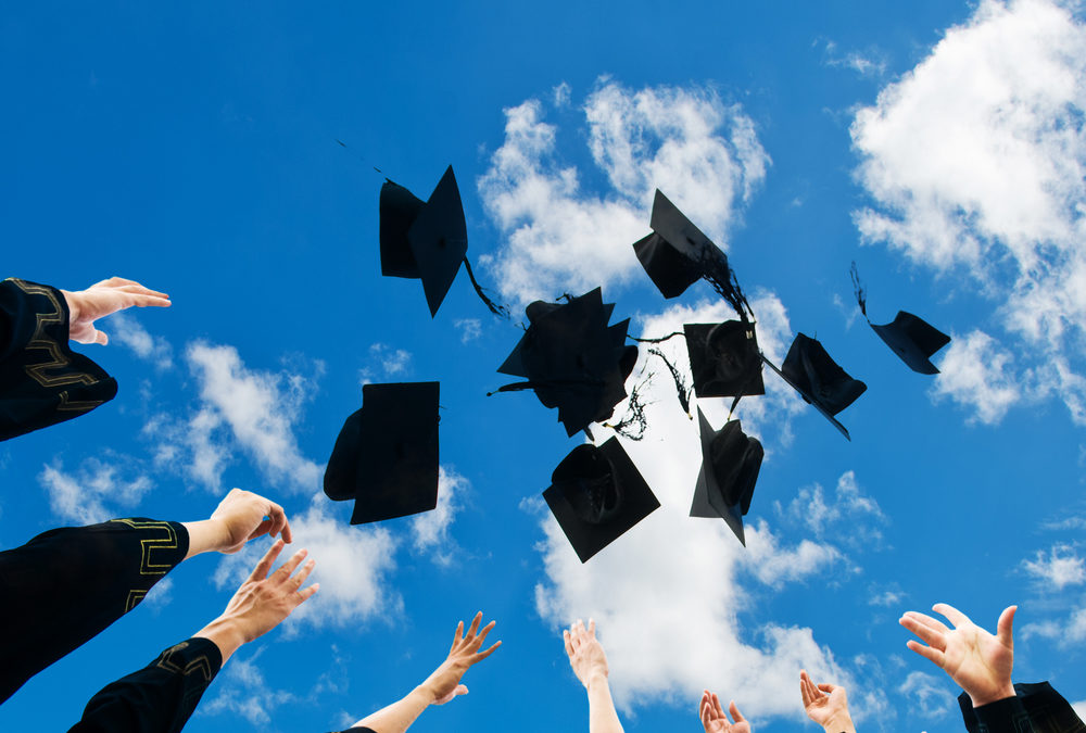 8 Prayers of Blessing and Hope for Your Graduate
